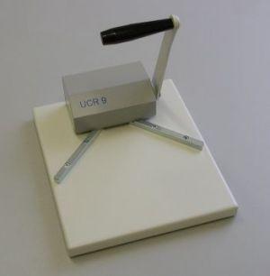 Cyklos UCR 9 - машинка за заобляне на ъгли с капацитет до 50 листа